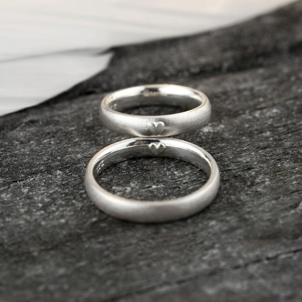 Eheringe mit Herz aussen, Herz innen Design, Silber