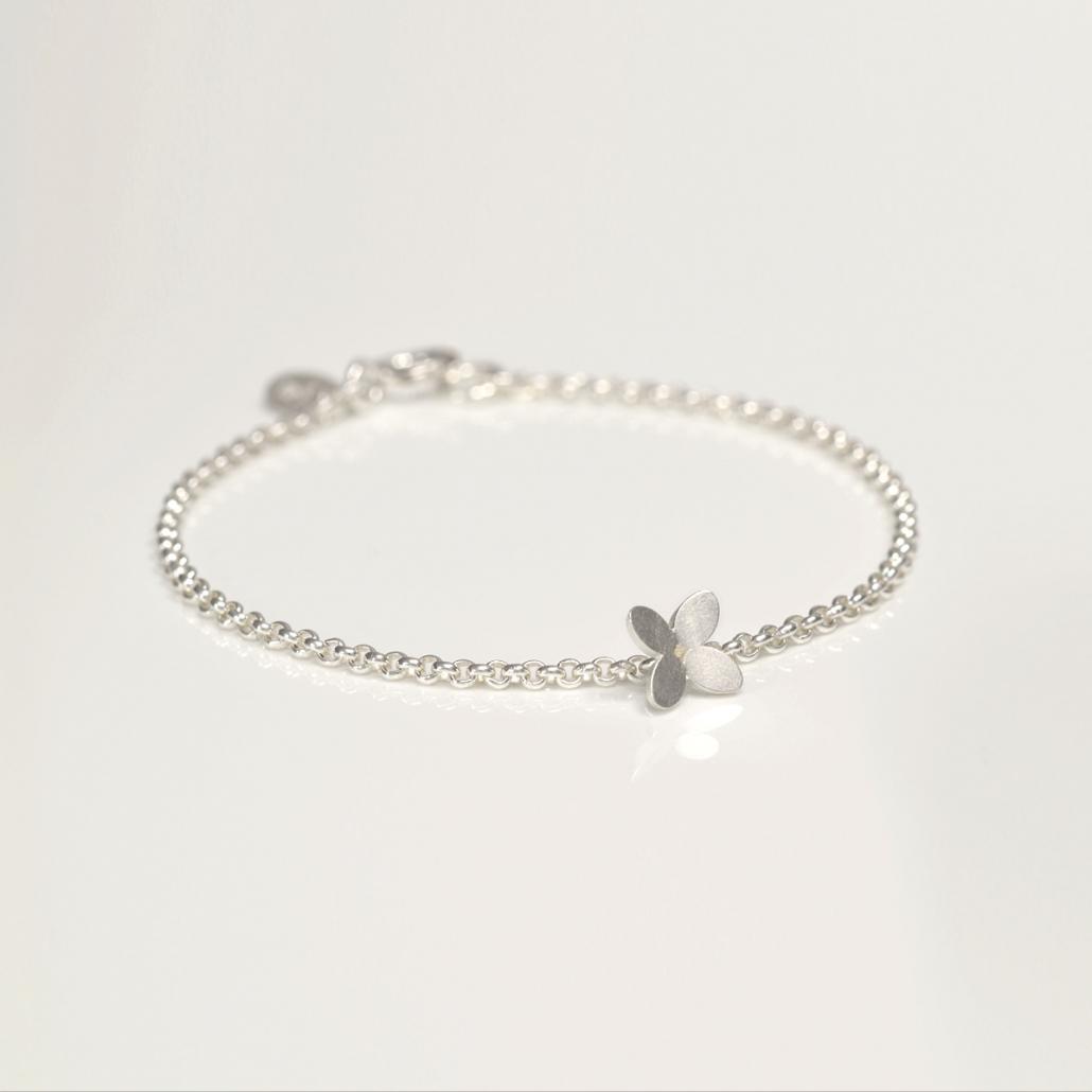 'Together' Armband in Silber mit Bluetendekor