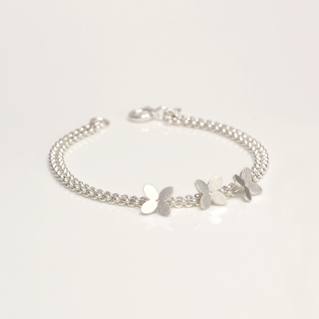Zweireihiges 'Together' Armband in Silber mit drei Blueten