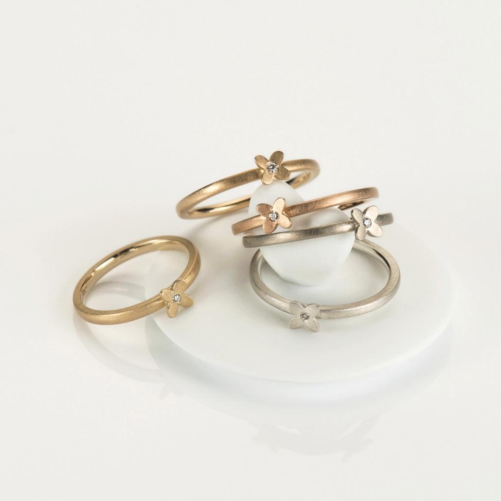 'Together' Bluetenringe in Silber, Weissgold, Rotgold, Rosegold und Gelbgold